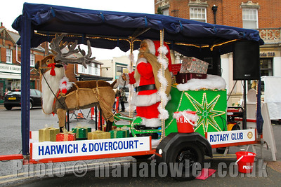 Rotary Club of Harwich and Dovercourt, Rudolph and Santa Collections at Dovercourt Street Market 2010www.facebook.com/RudolphSantaHarwichRotary